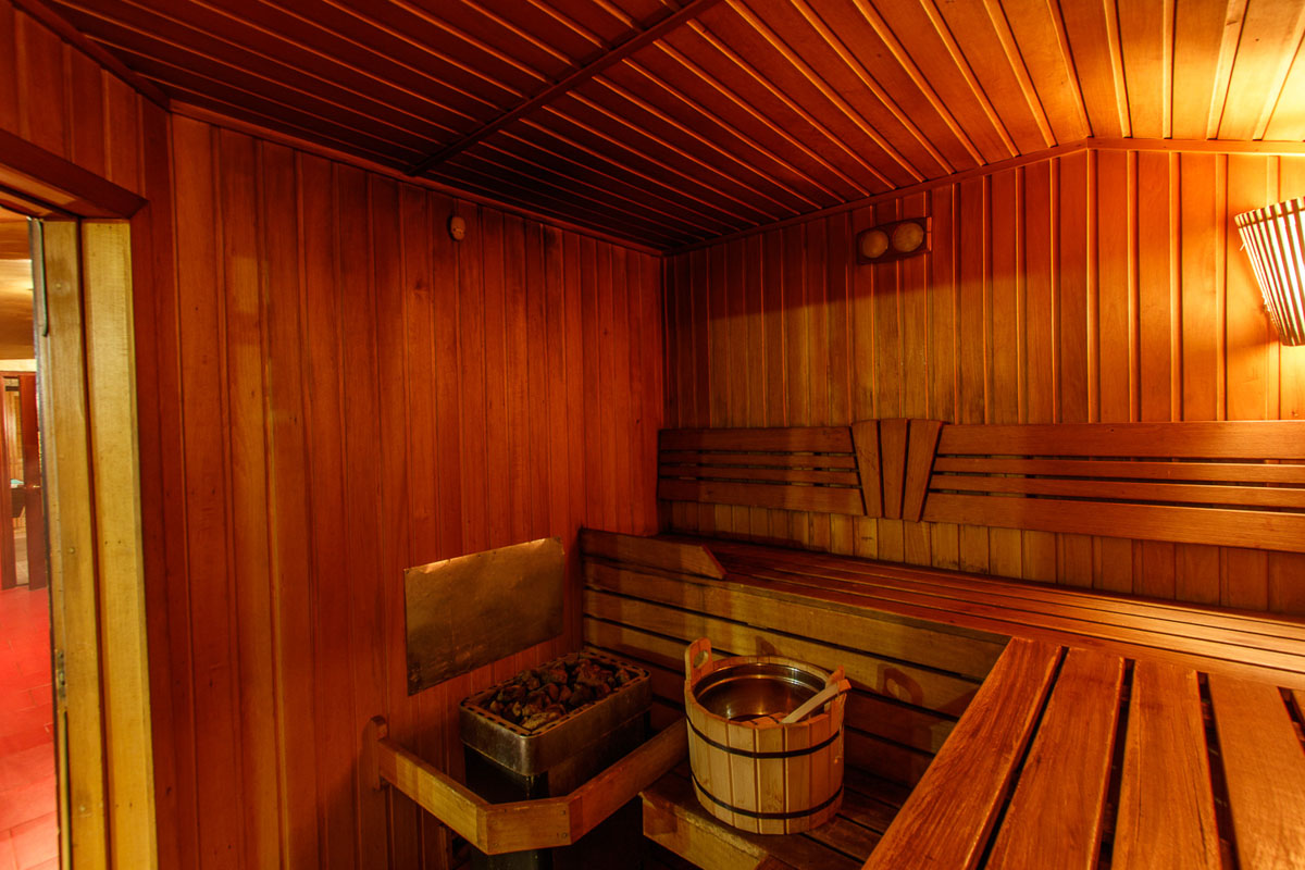 Trio in sauna